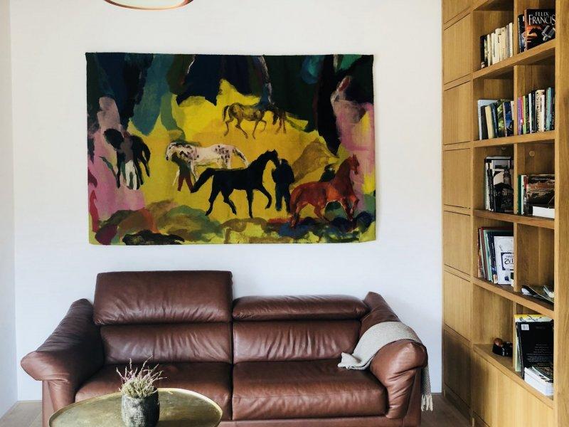 Interiér Bažantnice rozzářila tapiserie od Josefa Hollera