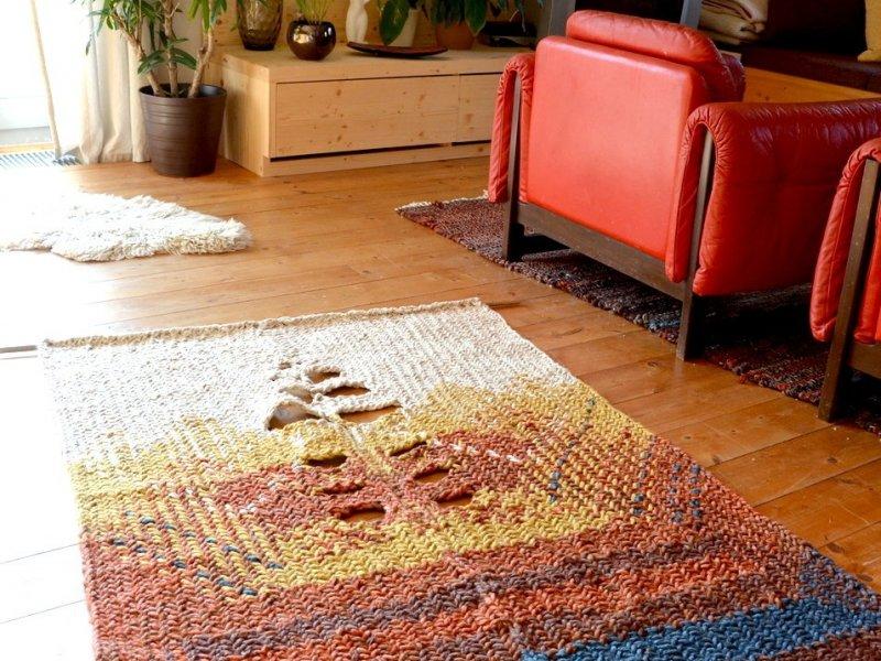Čerstvě dovezená tapiserie z dílny naší kamarádky, textilní výtvarnice Evy Tomešové, která žije v malebné chaloupcena domažlicku, kde vyrábí skvělé věci.