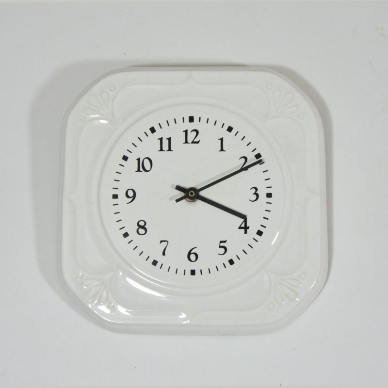 White porcelaine wall clock