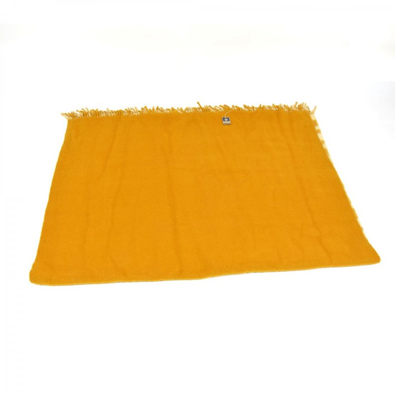 100% wool blanket manufactured by Krásná Jizba
