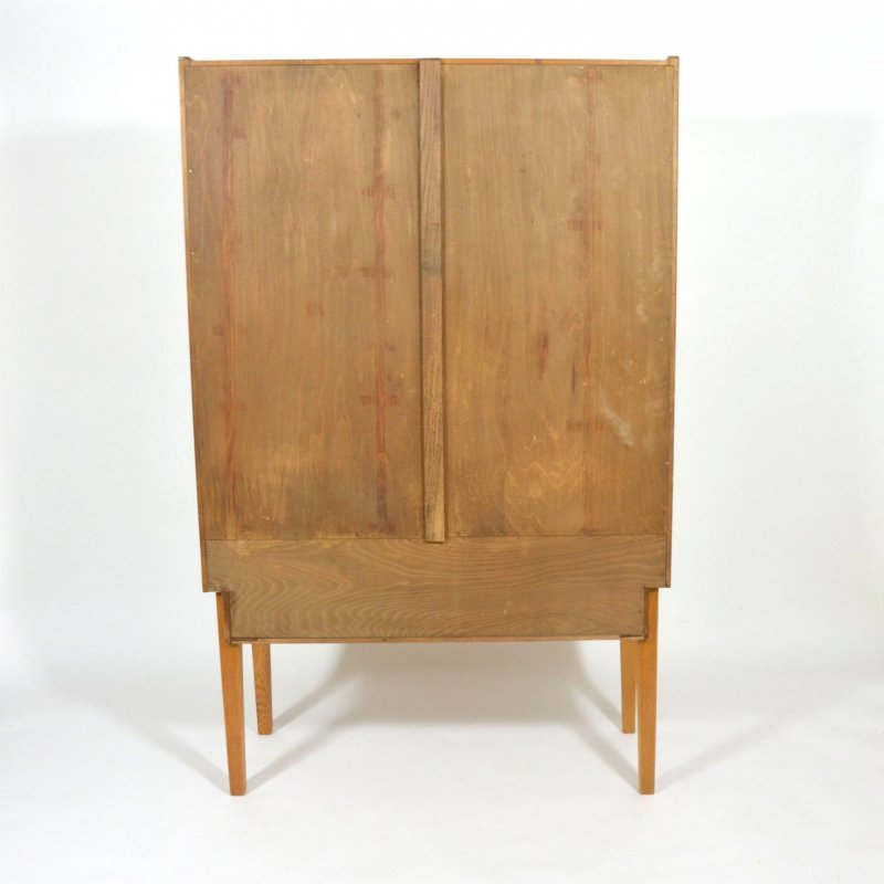 Oak veneered cabinet Nr. II.