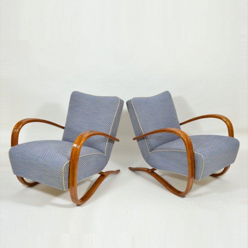Pair of Halabala armchairs H 269