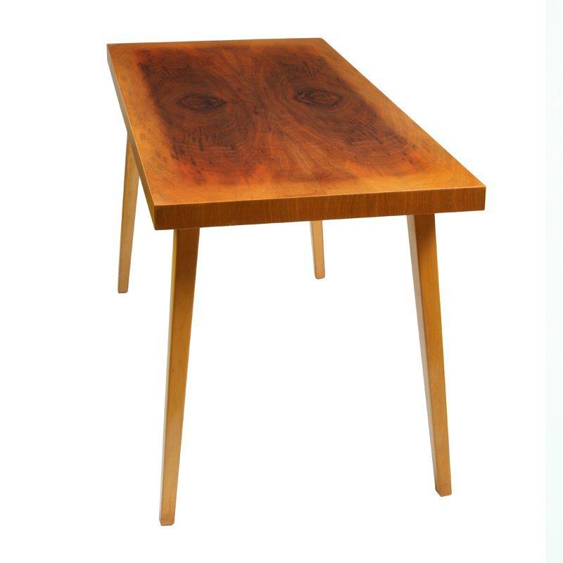 Dýhovaný stolek