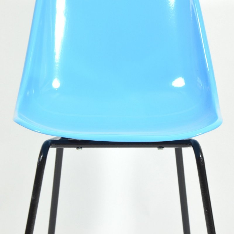 Fiberglass Blue Chair By Vertex