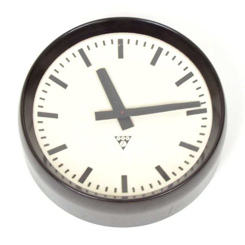 Wall clock Pragotron