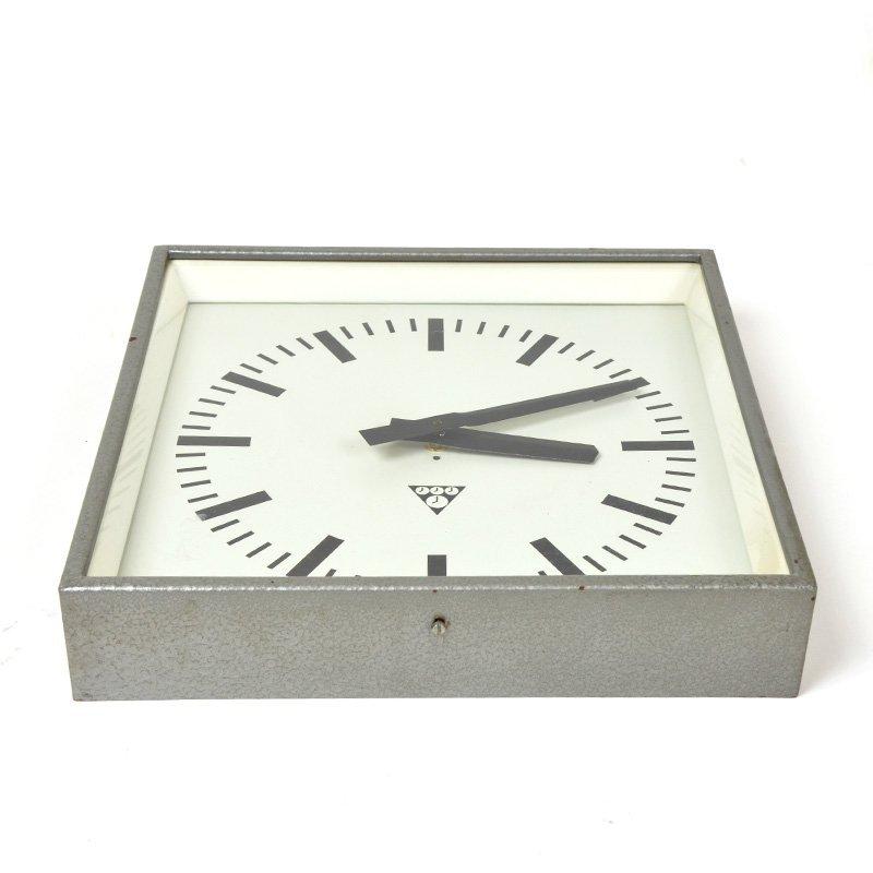 Pragotron clock C 301