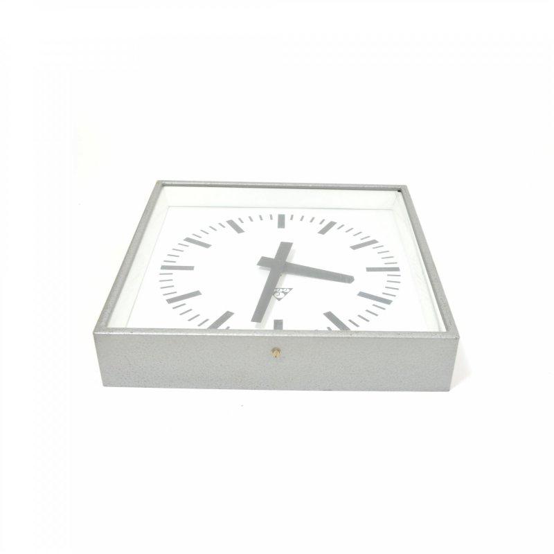 Pragotron industrial wall clock