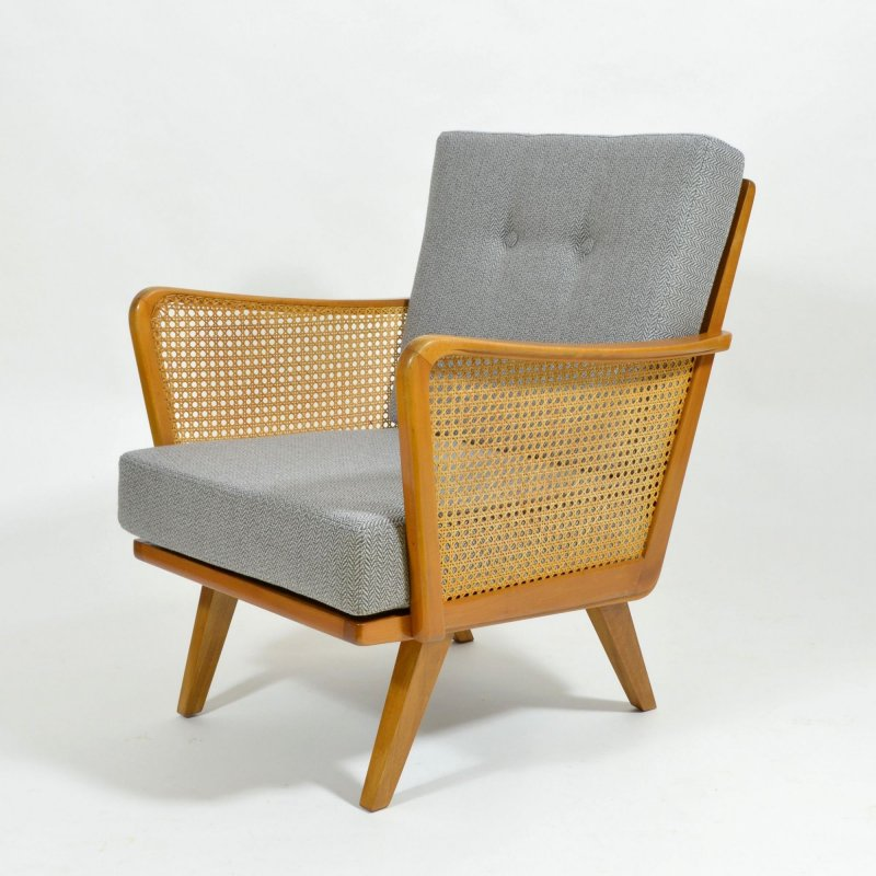 Armchair with rattan strings