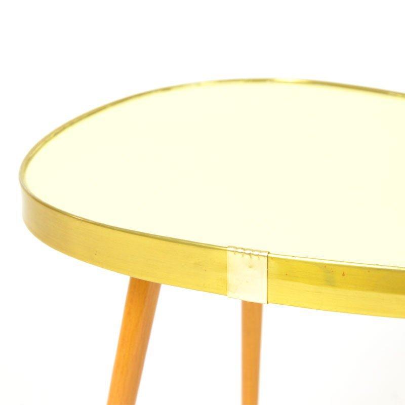 Květinový stolek