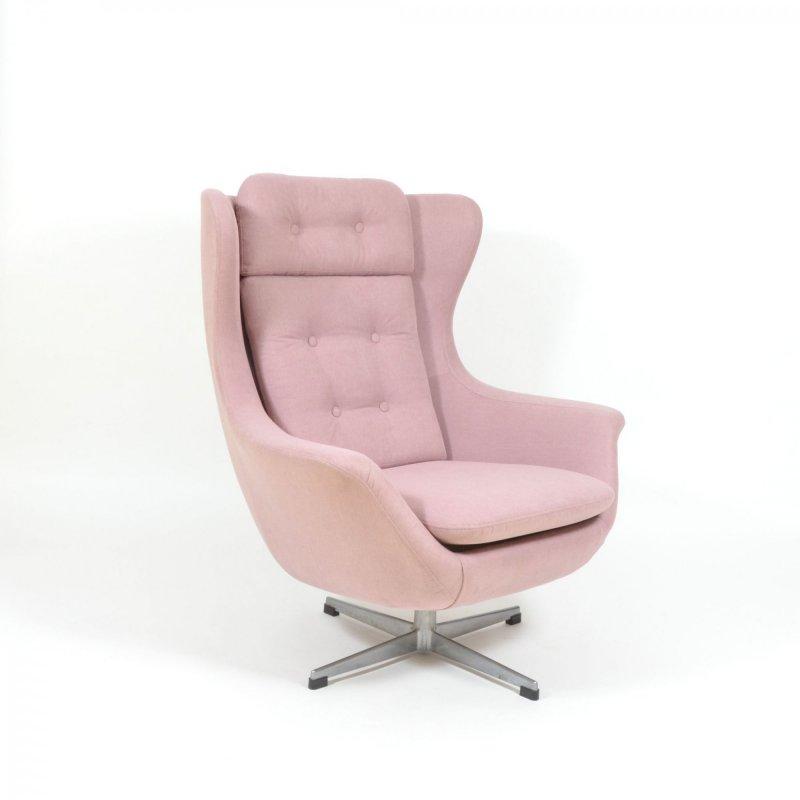 Luxury swivel armchair in pink