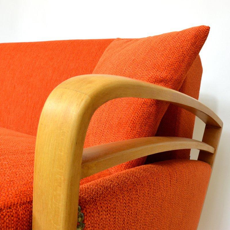 Oranžový gauč