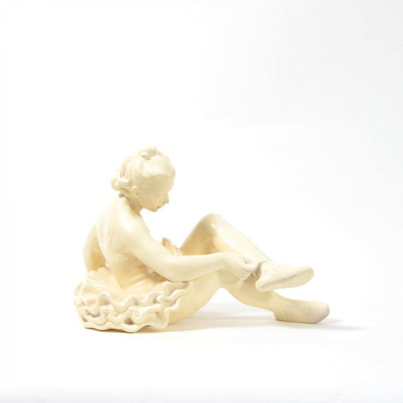 Ballet-dancer statue
