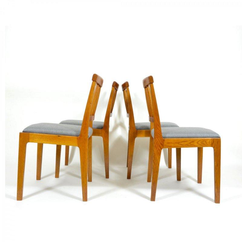 Set dubových židlí