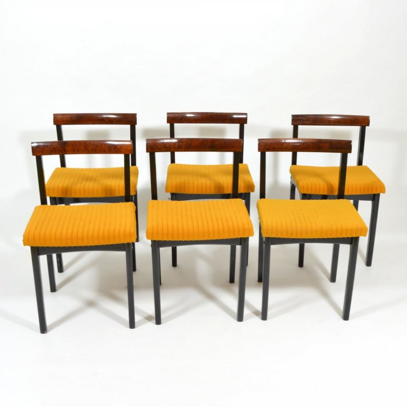Set of  dining chairs and folding table