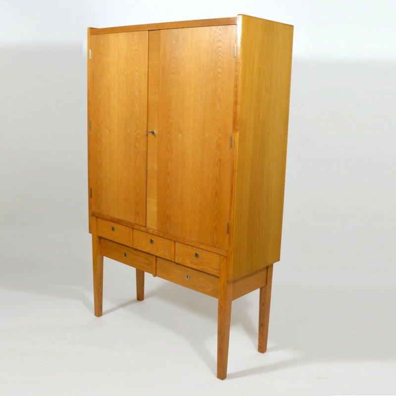 Dubová skříň / prádelník