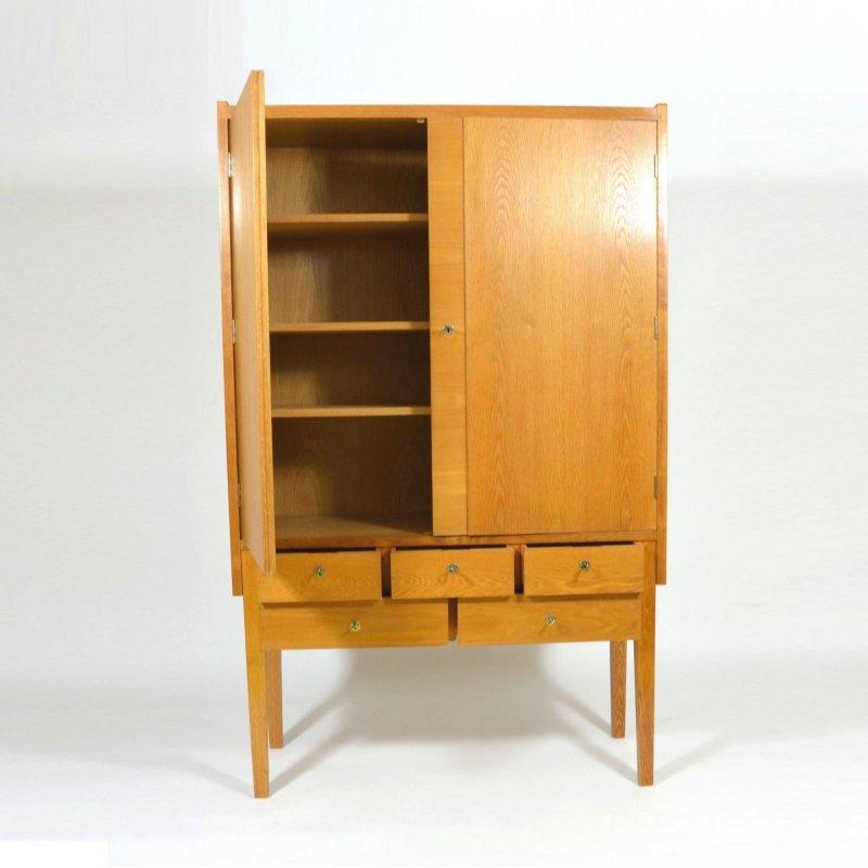 Oak veneered cabinet