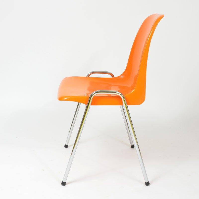 Stohovatelná židle