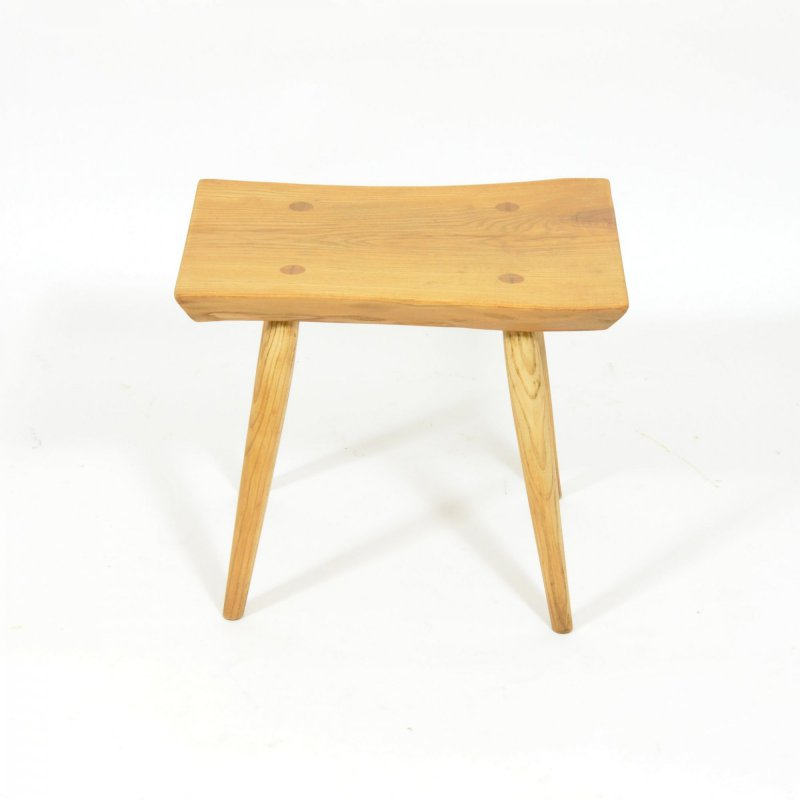 Stolička z masivu