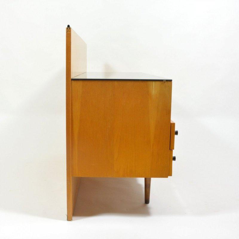 Toilet table by Jitona