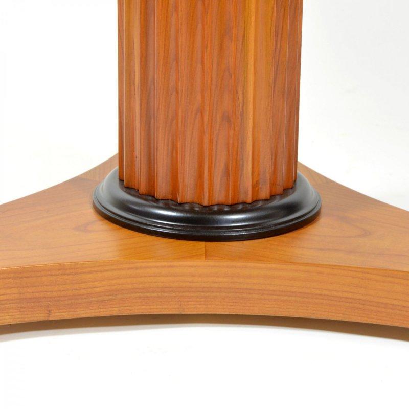 Třešňový stolek