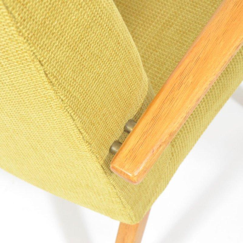 Žluté křesílko